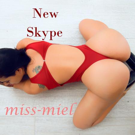 miss-miel at CamLust
